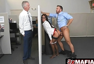 Insanely Sexy Bosses Daughter Aubrey Rose Fucks Her Dad'_s Employees
