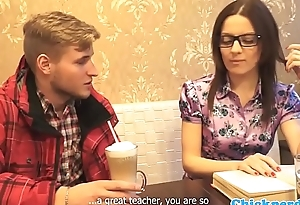 Nerdy teen orally pleasured and fucked