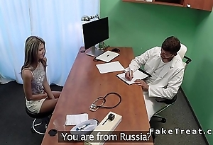 Russian babe principal ripen at doctor fucks him in assignation
