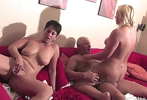 Bi german milfs plays there their love tunnels in foursome