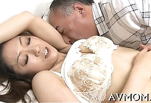 Mamma hoe enjoys being fucked hard