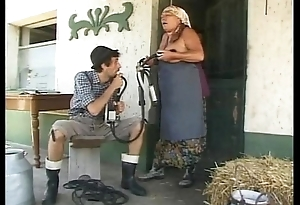 Old lady fucked in the farm be expeditious for shame!