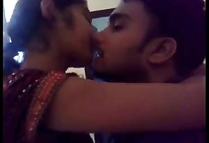 beautifull indian girl tushie t control on lip kiss - long kiss