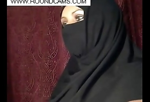 muslim girl flashing www.roundcams.com