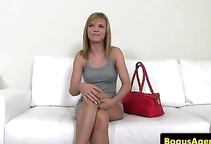 Amateur babe sucking casting agent in office